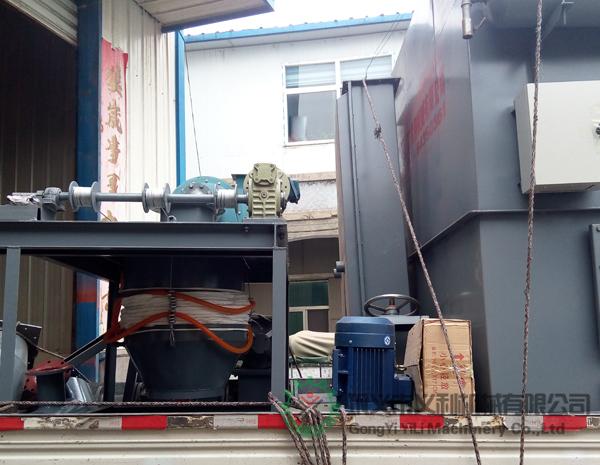 汽车散装机和64袋除尘器发往兰州市